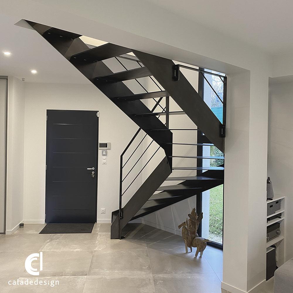 coté-escalier-métallique