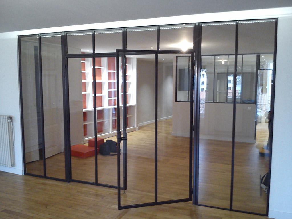 Sp cialiste des verri res baies d 39 atelier calade design for Baie vitree interieure type atelier