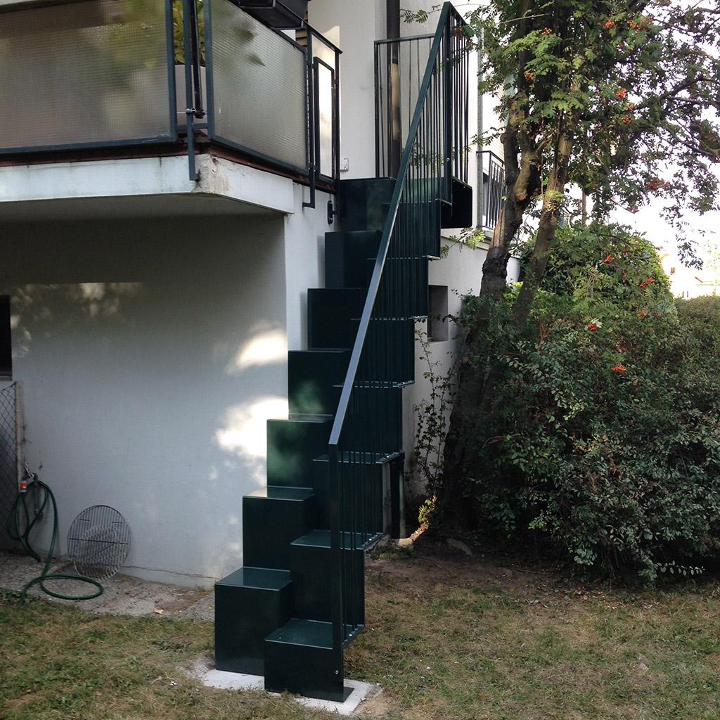 Escalier m tallique lyon escalier m tal villefranche calade design - Escalier exterieur acier ...