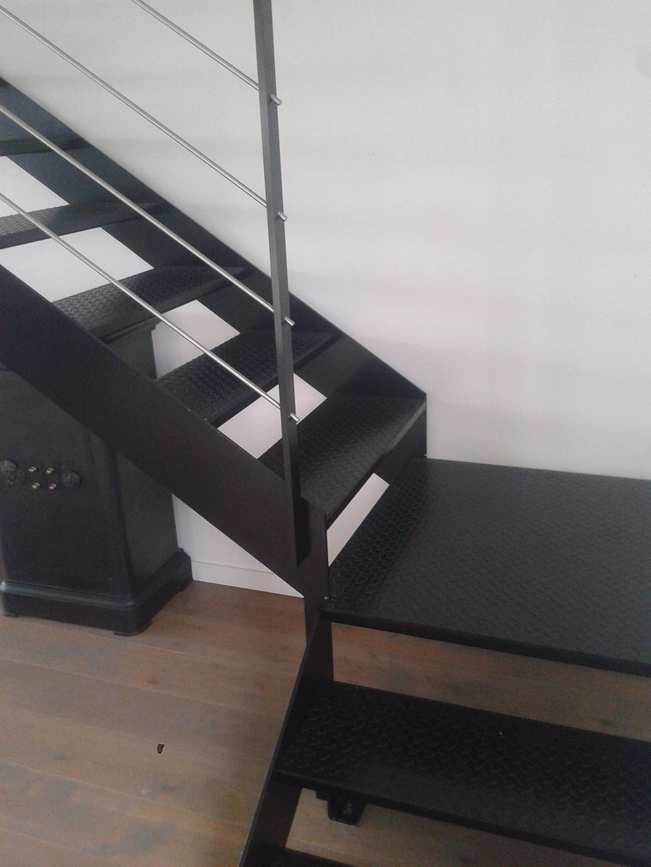 Escalier m tallique lyon escalier m tal villefranche for Escalier quart de rond