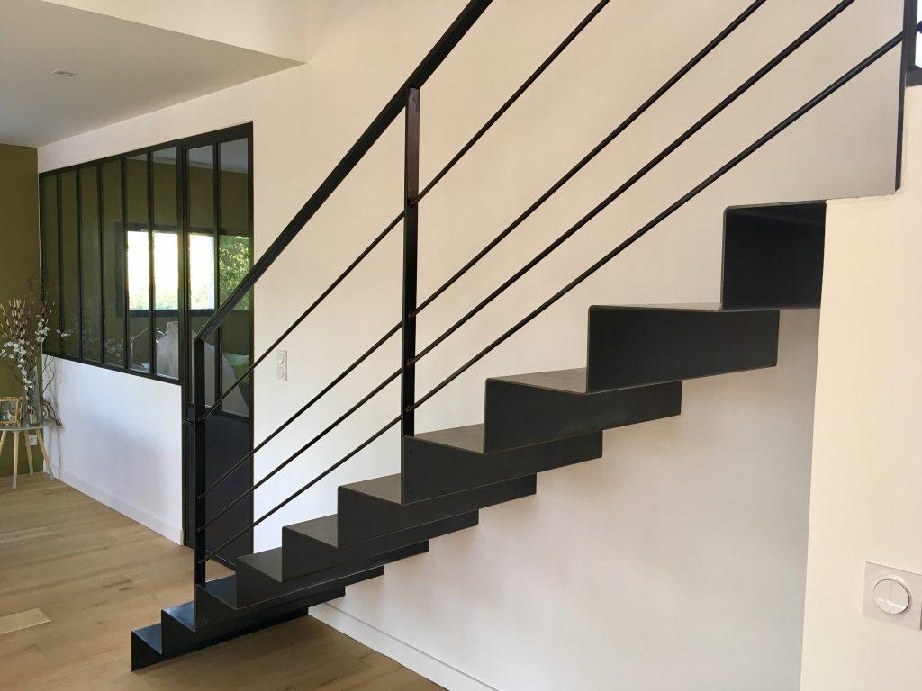 escalier interieur metallique