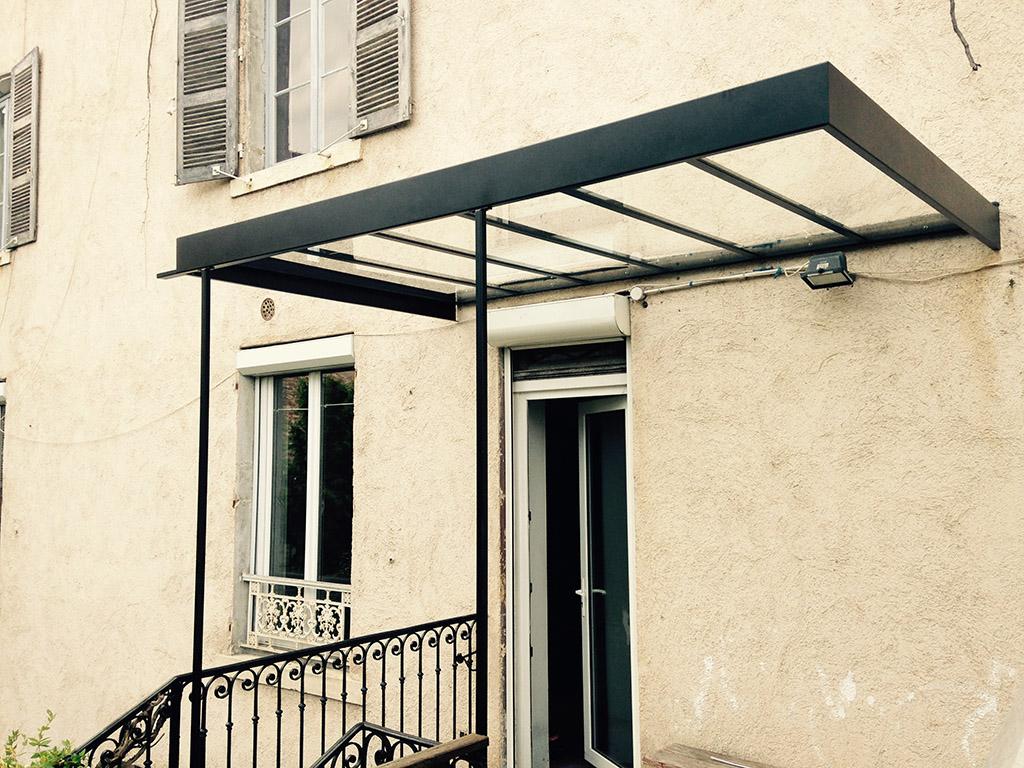 marquise pour maison ancienne ventana blog. Black Bedroom Furniture Sets. Home Design Ideas