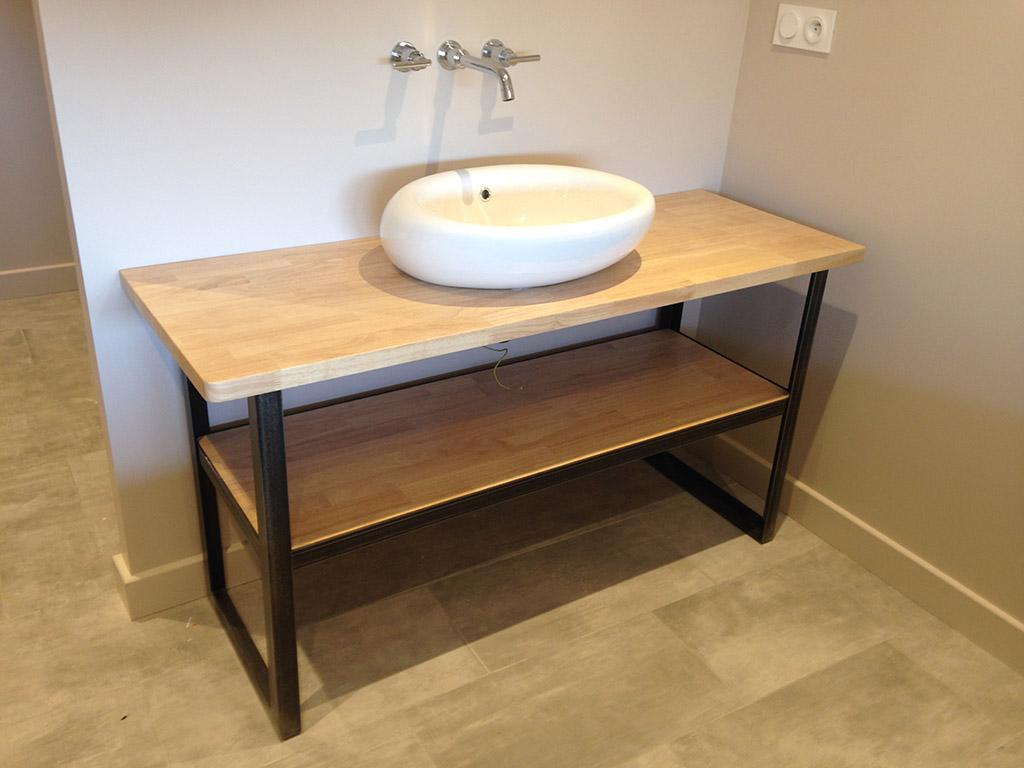 Mobilier design acier lyon mobilier m tal villefranche for Meuble salle de bain design bois