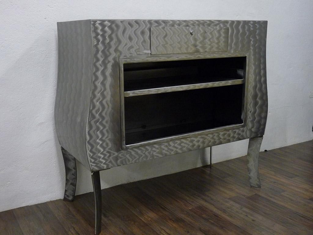Mobilier design acier lyon mobilier m tal villefranche calade design for Les meubles design