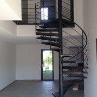 escalier intérieur hélicoïdal en acier par calade design