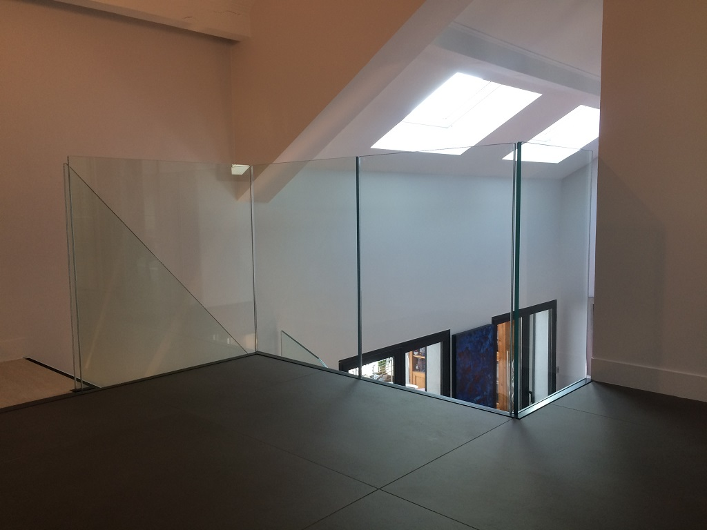 image garde corps en verre escalier prestige lyon