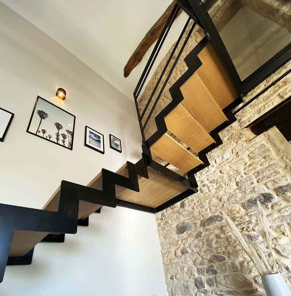 escalier-double-limon-cremaillere-passerelle-verre