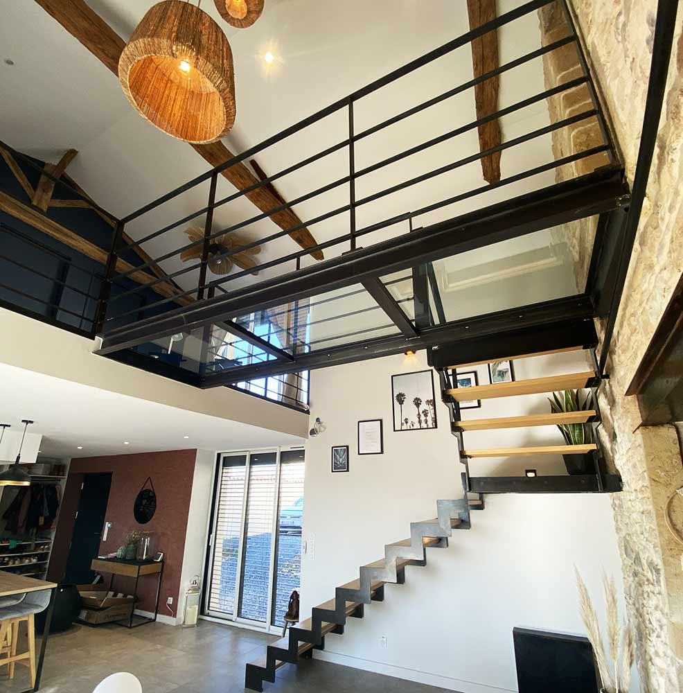 escalier-passerelle-verre