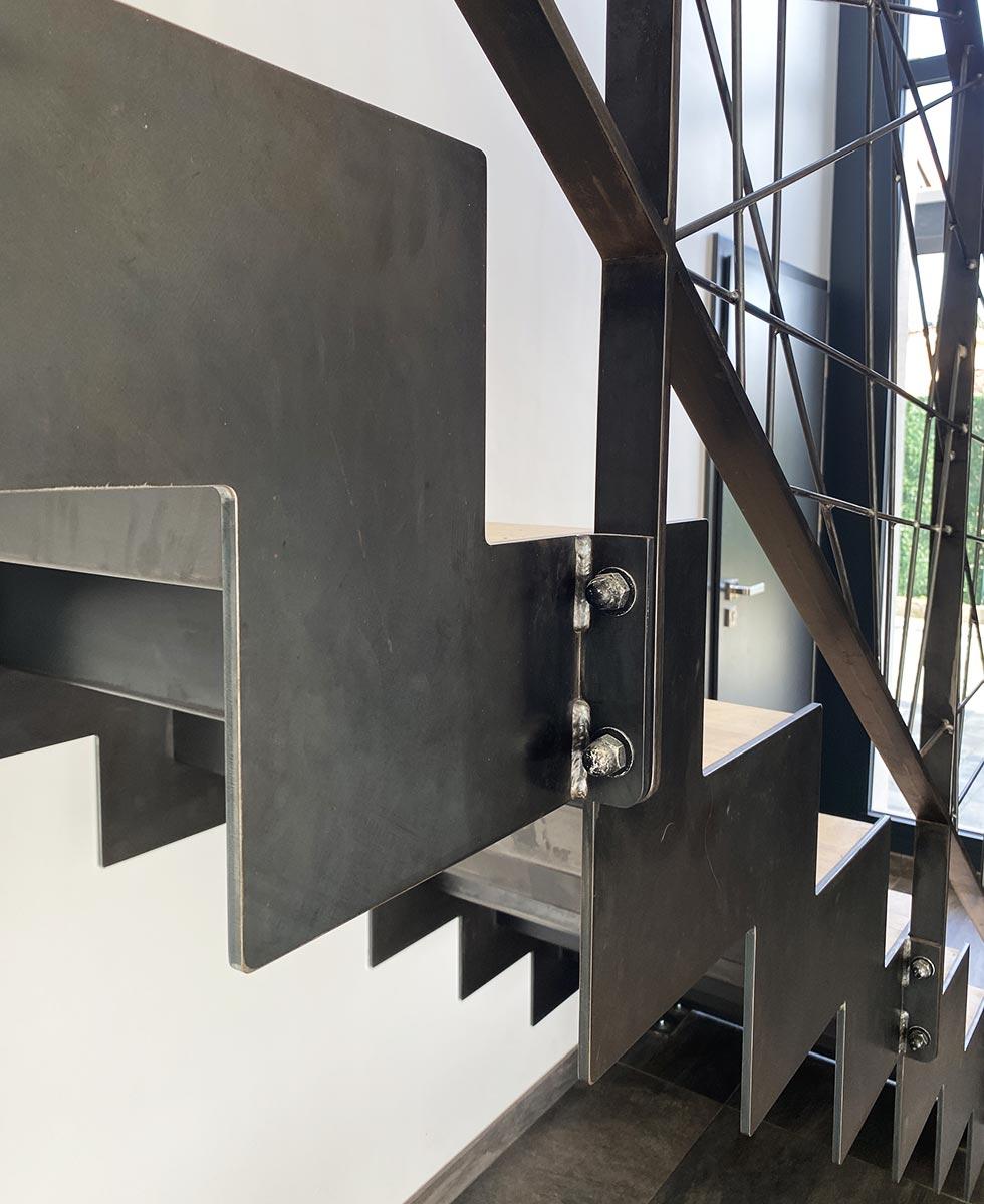 finition-escalier-droit
