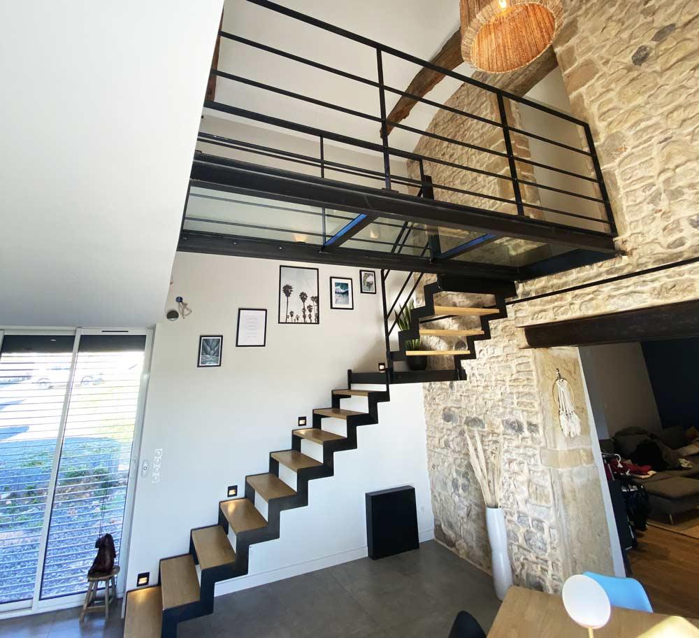 passerelle-verre-escalier