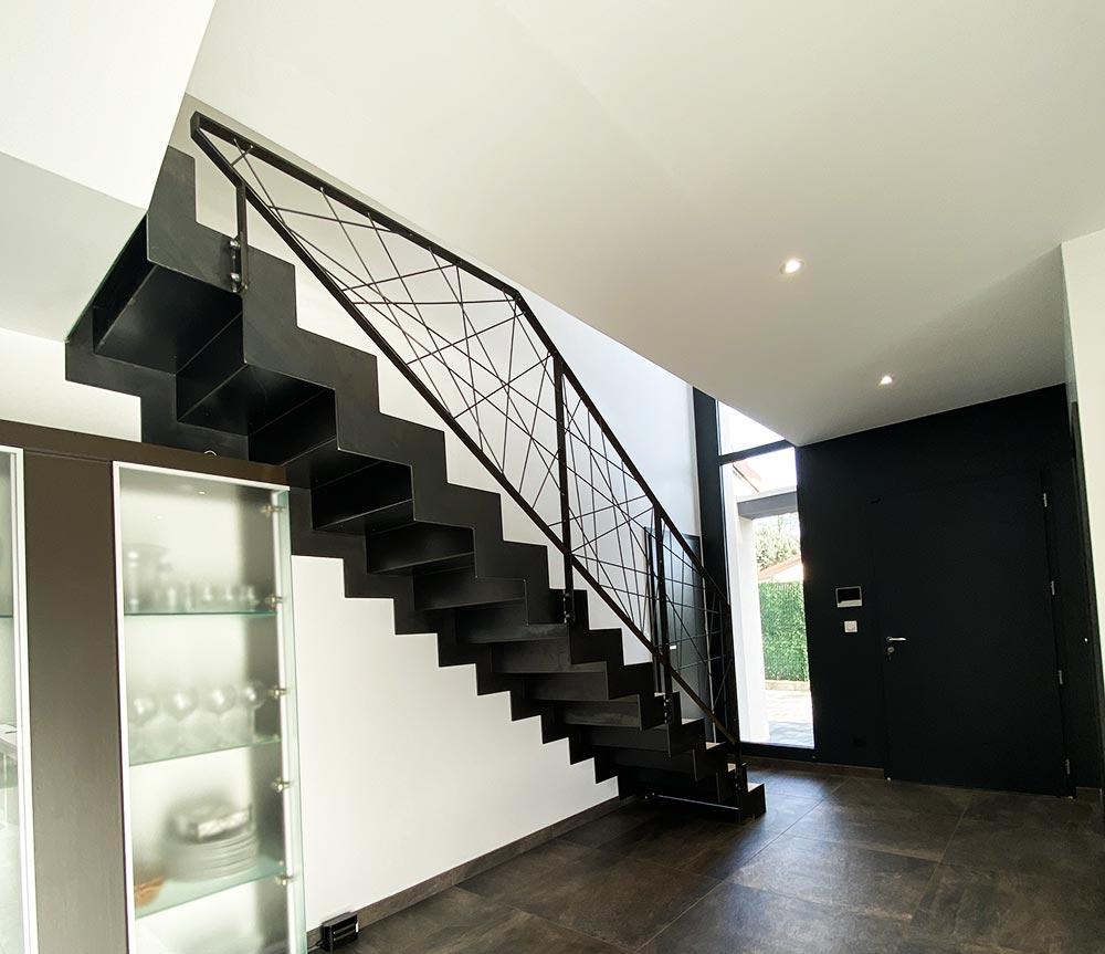 vue-de-derriere-escalier-droit