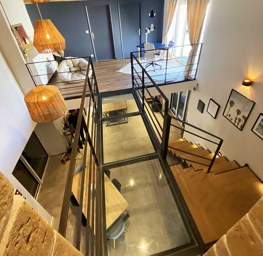 vue-haut-passerelle-escalier