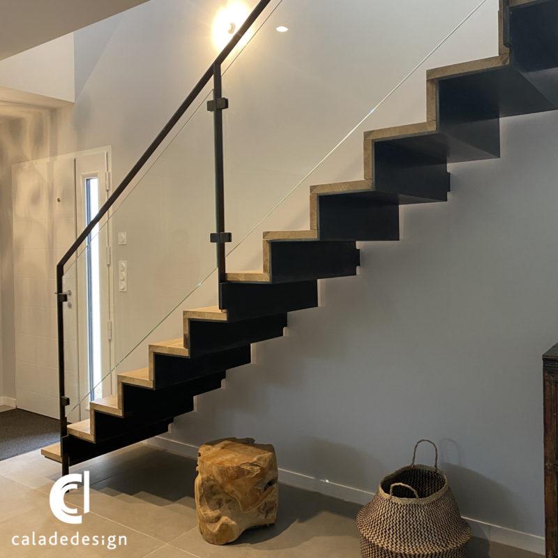 finition escalier tôle pliée